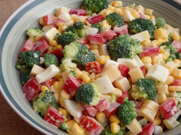 Mocna czosnkowa sałatka brokułowa
