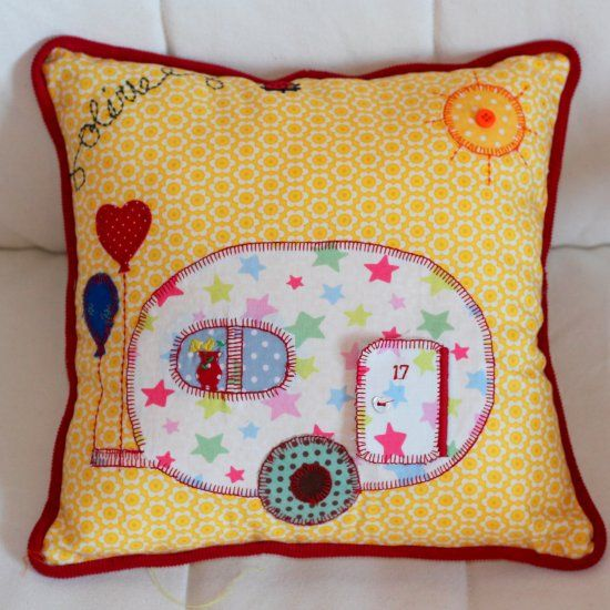 Sew Decorative Pillow Fabric : 367 best pillows-cushions-coussins images on Pinterest Sew pillows, Pillows and Accent pillows