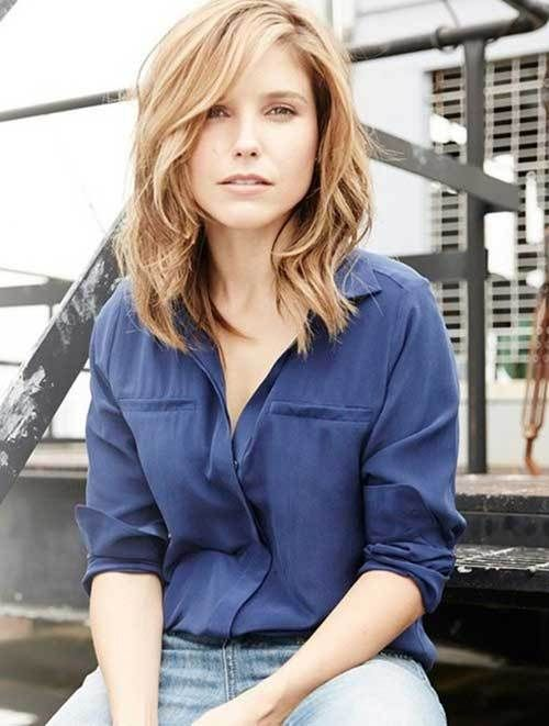 Here are 20 fresh and fashionable shoulder length haircuts,from Short Haircut.com: For the beauty and trendy ladies, we have different and best 20Short Shoulder Length Haircuts! These short haircuts really fresh and fashionable. If you boring your usually hairstyle, and want some difference on your head, these styles absolutely for you, not too short and [...]