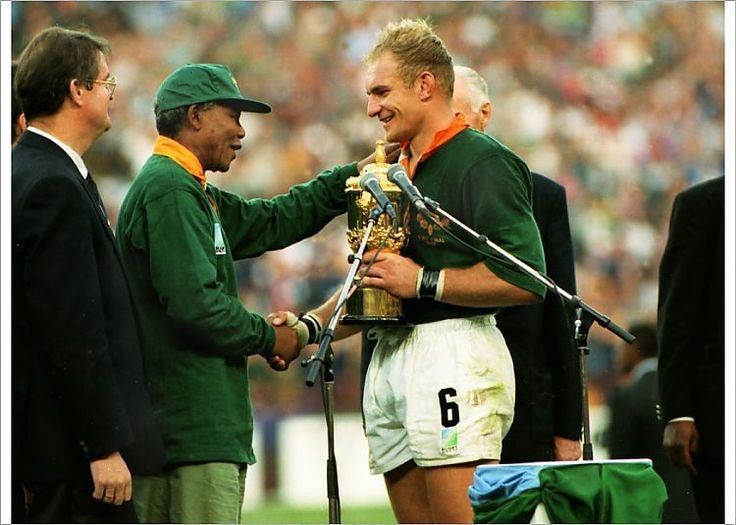Print Of Springbok Captain Francois Pienaar Receives The Webb Ellis Cup From President Nelson Mandela 1995 Rugby World Cup Final In 2020 Rugby World Cup World Cup Final World Cup