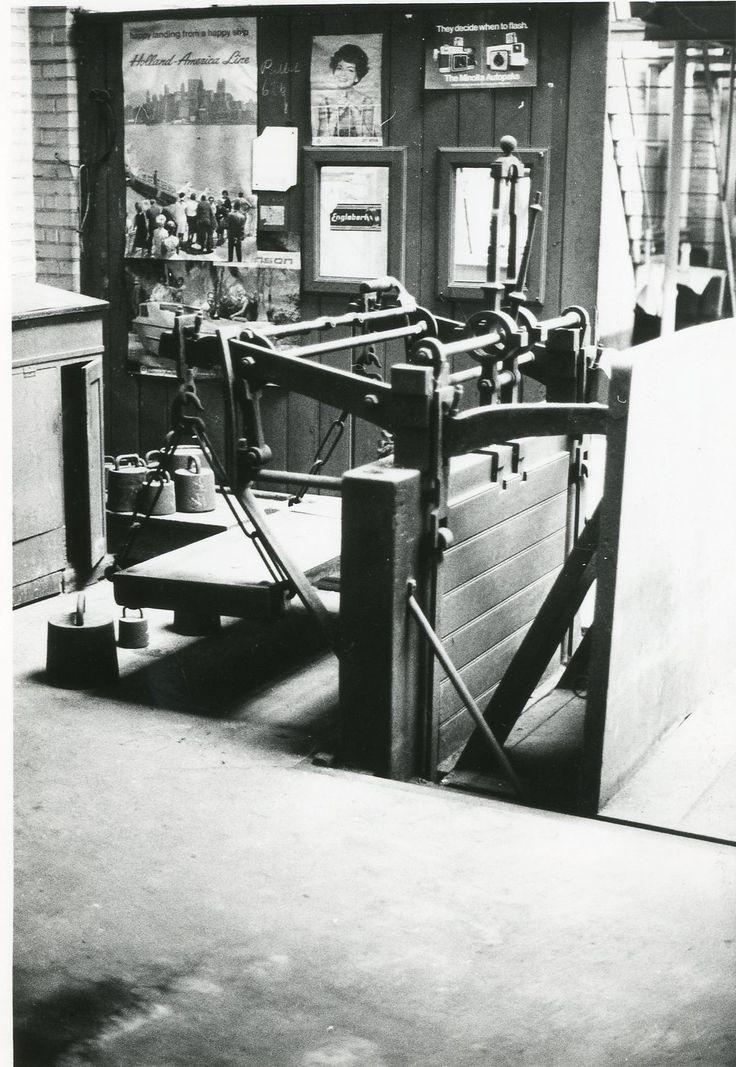 Vejerboden i Toldvagt 2, 1980. Interiør.