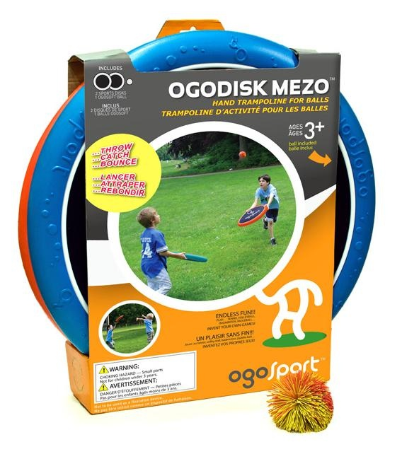 OgoDisk Mezo.  Spend hours outside playing catch with these hand trampolines! #ogoSport #ogoDiskMezo #ogoDisk #toys #outdoors #play