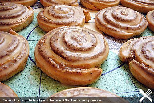 Saftige Hefe-Nuss-Schnecken, ein gutes Rezept aus der Kategorie Kuchen. Bewertungen: 25. Durchschnitt: Ø 4,6.