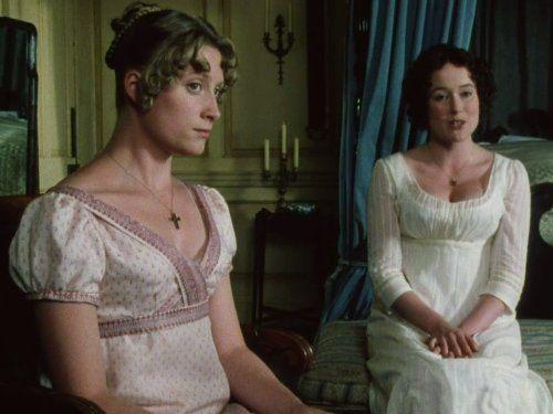 How does Jane Austen use contrast between Elizabeth and Jane Bennett?
