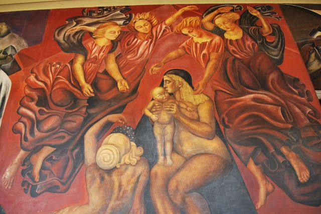 """Sección mural titulado """"La Maternidad"""" de José Clemente Orozco en uno de los muros del Colegio San Ildefonso en el centro histórico de la ciudad de México. Este mural corresponde a la libertad de Panorama bajo la ley mexicana."""