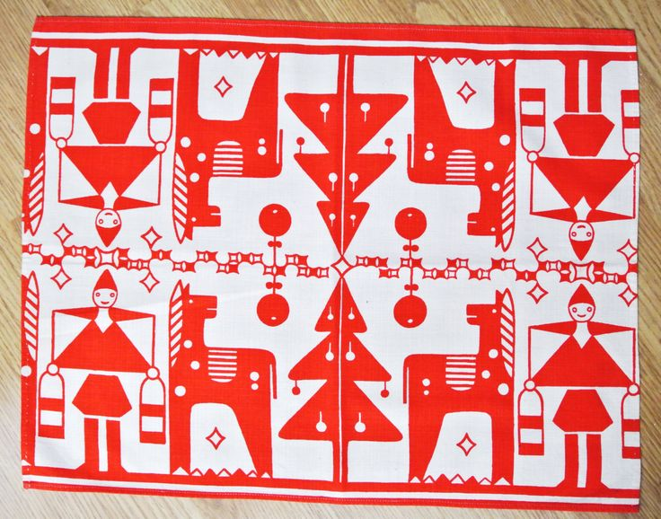 Swedish retro vintage 1950s printed red/ white cotton design tablet tabelcloth in with Christmas Staffan Stalledräng motives
