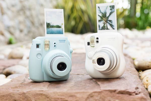 The Fujifilm Instax Mini 8 Camera is light, easy to use and portable. It makes an amazing gift for photography lovers and it brings back nostalgic memories!