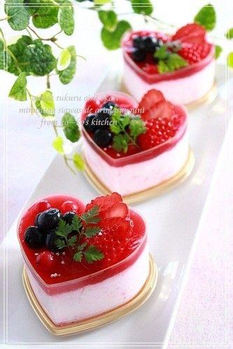 Tiramisu-style ♡♡ Strawberry Mousse