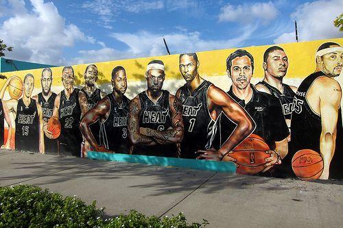Miami - Edgewater: Serge's Miami Hear mural by wallyg,