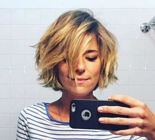 Best Pics of Layered Short Hair for Round Face
