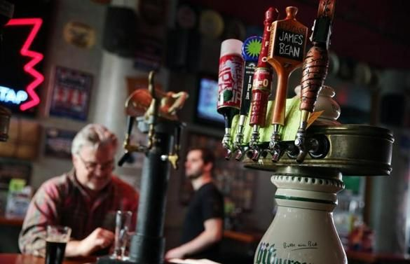 Beer distributor to pay record-setting $2.6 million fine in pay-to-play case http://l.kchoptalk.com/24AZvhc