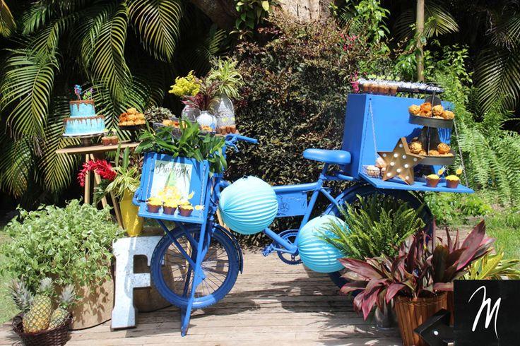 Mesa de doces tropical bicicleta