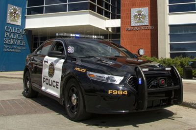 Calgary Police Service's vehicles are getting a makeover! Riad Kadri provides the details of what's in store for the new cars. #yyc  http://calgaryjournal.ca/index.php/news/1825-calgary-police-service-debut-new-vehicles