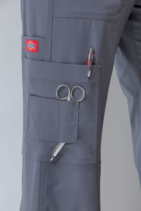 Nurses can never have too many pockets!! For the organized nurse! #pockets #Dickies #Scrubs