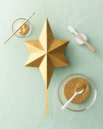 for my 1st reeeal christmas tree :) --> Martha's Glittered Star Tree Topper