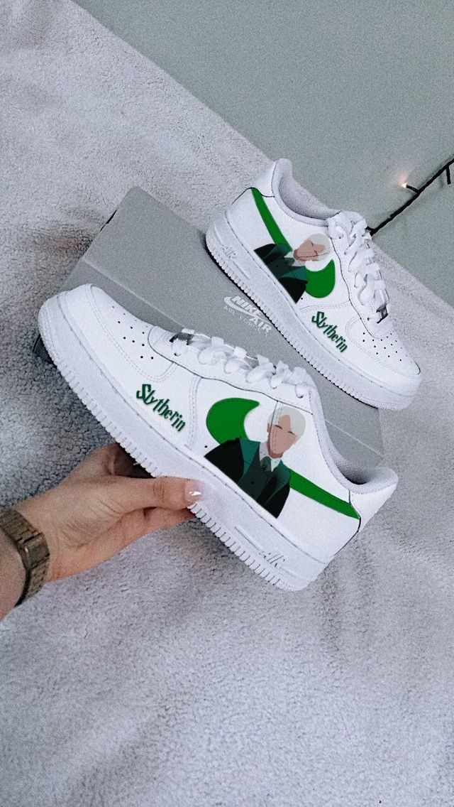 Slytherin Nike Air Force 1 The Custom Movement In 2021 Harry Potter Shoes Harry Potter Outfits Harry Potter Accessories