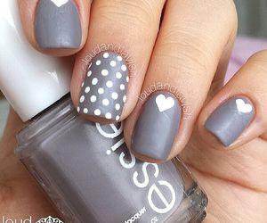 Grey/White Heart Nails ❤