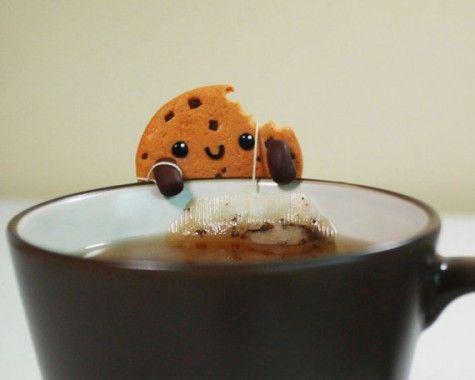 Cookie tea bag holder