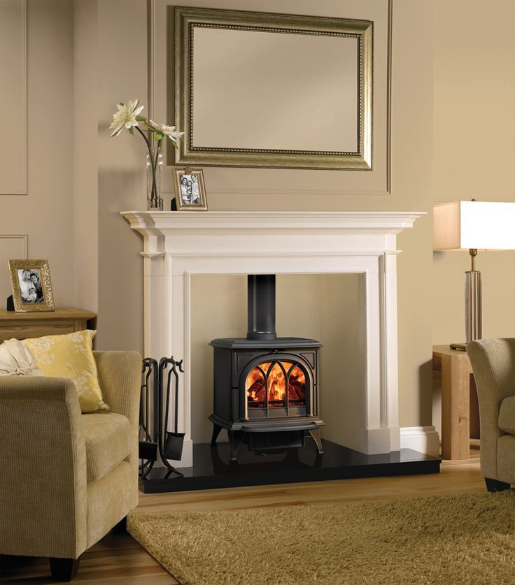 The Stovax Huntingdon 30 wood burning and multi-fuel stove combines refined cast iron styling with significant heating capacity, making it the ideal choice