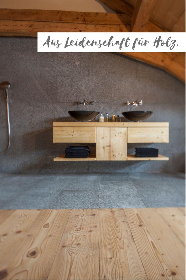 """Badezimmermöbel auf Altholz Fichte/Tanne gebürstet in Kombination mit Stein und einem Holzboden aus der Kollektion """"Fürstliche Schlossdielen"""" Altholz Fichte/Tanne Farbton 004 gebürstet"""