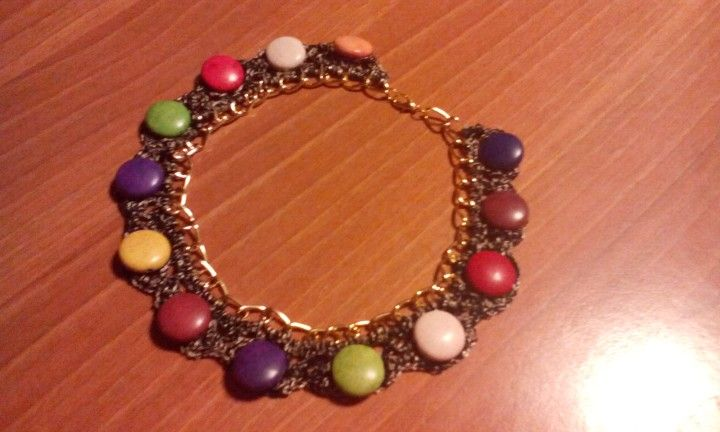 Collana con catena e perle piatte