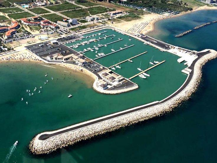 Il Porto Turistico Marina Sveva è sito a #Marina di Montenero di Bisaccia (CB) su un #bacino di 60.350 metri quadrati, nell'affascinante #litorale tra Abruzzo e Molise. È il luogo dove si realizzano i sogni degli amanti del #mare e del turismo, di coloro che desiderano vivere alla grande la passione per la# barca e non solo, dove ogni bellezza naturale è a portata di #vela.