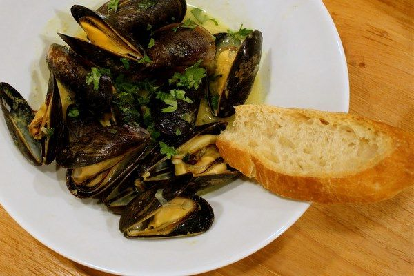 Coconut curry mussels....not sure if this recipe would be awesome or ...