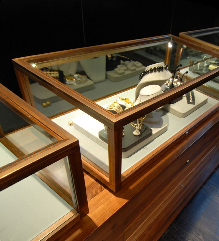Jewellery Shop Design of Bunda Boutique by Snell Architects, Sydney jewellry