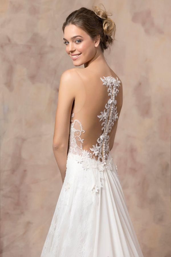 KIRA #weddinggown #celestialcollection #newbridalcollection #costantinobridal #weddingingreece