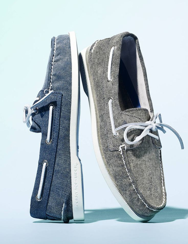 Nautical fashion statements are so in this season! Get your Spring style off on the right foot with a relaxed pair of canvas boat shoes from Sperry