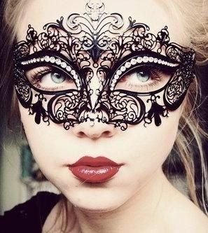 mask from etsy seller ElegantxBoutique. Absolutely stunning