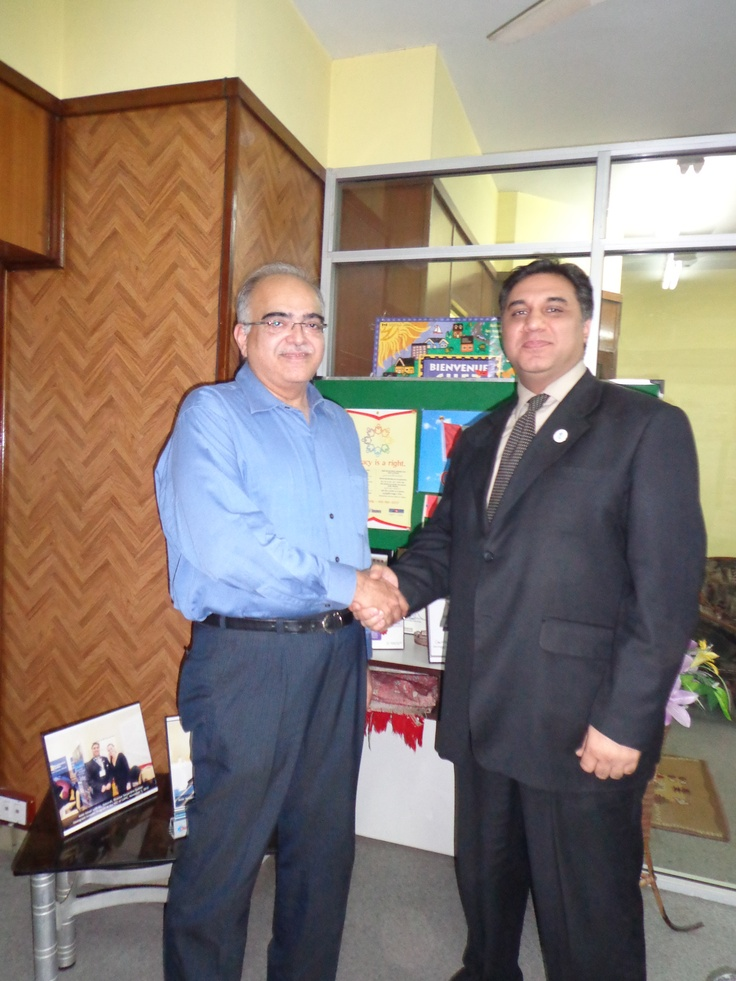 Mr. Shehryar Kazmi - IT Manager Sui Southern Gas Company with Amir Ismail while receiving his visas