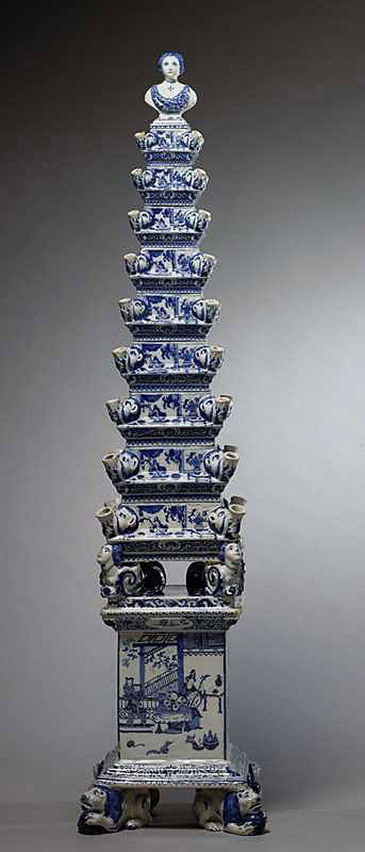Delft Blauw Tulpenvaas Piramide Groot Serviesgoed Crockery White Porcelain Tulips In Vase