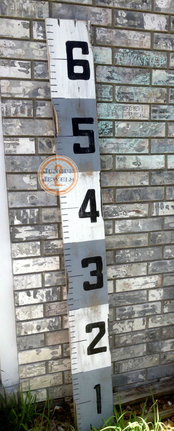 Ruler Style, Growth Chart, White & Grey Distressed Stripes