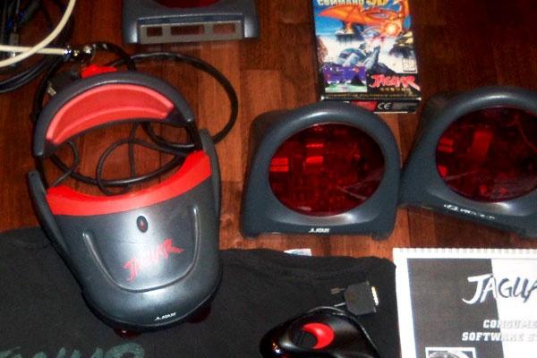 Incredibly-Rare-Working-Prototype-Atari-Jaguar-Virtual-Reality-Headset-Hardware-Surfaces-On-eBay