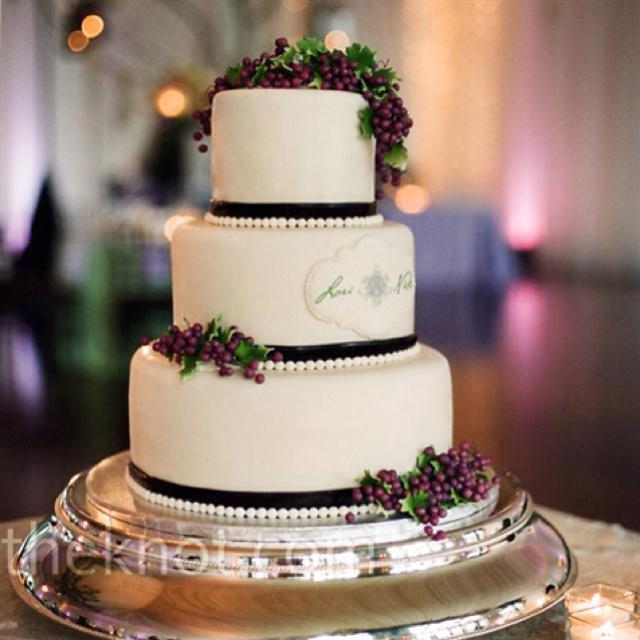 Wine Vineyard Wedding Cake