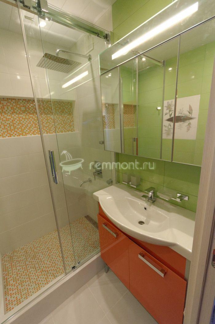 Ремонт раздельной ванной комнаты и туалета Imperia: Стильная ванная комната с плиткой Cerrol Imperia
