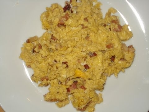 SCRAMBLED EGGS WITH BACON – english subtitles. Jajka na bekonie – przepisTV   http://youtu.be/QOPaY09NBuE