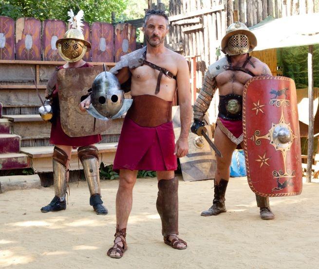 """Vincenzo Venuto sul set di Gladiators  Vincenzo Venuto e l'avventura di """"Gladiators"""": le foto del combattimento!"""
