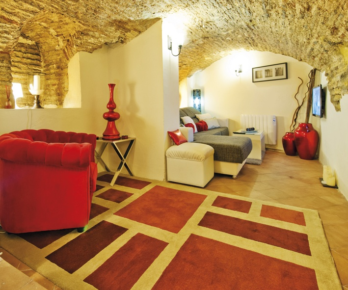 Toledo. PANTOJA ANGULO Apartment. From 48,54 € person/night. Up to 2 people.