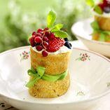 Hindbærruller - Opskrifter    http://www.dansukker.dk/dk/opskrifter/hindbaerruller.aspx  #hindbær #kage #dansukker #opskrift #sommer #bær