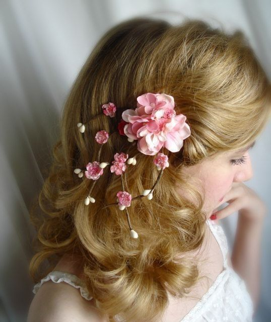 Beautiful Sakura bridal flower hair clip... This in blue would be so cute!