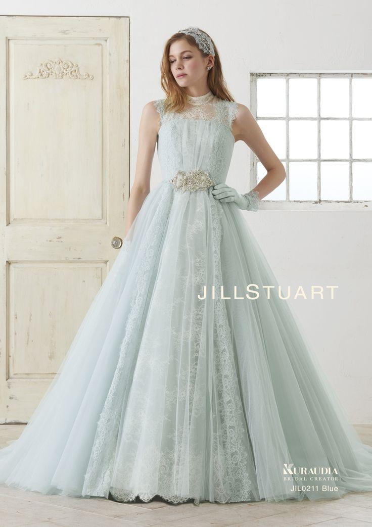 薄いブルーグリーンで柔らかい印象のドレス♡ビジューベルトが上品さを引き立てます♡ビジューを取り入れたカラードレスまとめ一覧♡