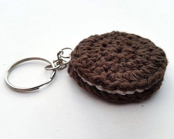 Bekijk dit items in mijn Etsy shop https://www.etsy.com/nl/listing/536064920/gehaakte-sleutelhanger