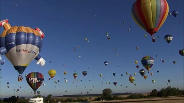 "Beautiful & Stunning...Record du monde (World Record) d'envol de montgolfières à Lorraine Mondial Air Ballons 2013. More of 400 Balloon's togheter. 28 juillet 2013  Music: ""Fantasy"" Piano Theme, Patrick Stafford Musiciens: Ste-Mary's Band Mandolina: Gustavo Valdes Drum's: Tony McNeil Hammond B3: Patrick Stafford  PSE Records co (All right reserve) Montage: Mary Wilson for PSE Records co."
