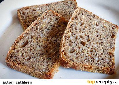 Pšeničný chléb s pohankou a semínky recept - TopRecepty.cz