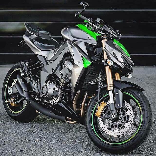 best 25 kawasaki z1000 ideas on pinterest motorcycles z moto and cool motorcycles. Black Bedroom Furniture Sets. Home Design Ideas