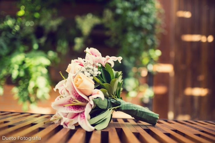 Bouquet de lirios Foto: Dueto Fotografia http://www.velodevainilla.com/2014/06/18/el-bouquet-de-lirios/