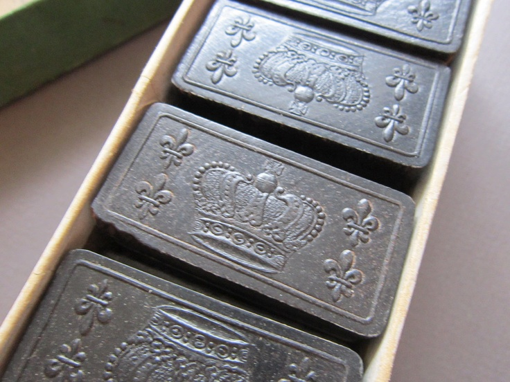 antique DOMINO set - 28 ROYAL DOMINOES in original box, Parker Brothers, crown dominoes, embossed crowns. $19.95, via Etsy.