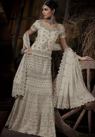 Beautiful traditional indian bridal wear, with wedding lehengas or wedding sarees for an indian wedding.